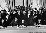 1-Penandatanganan Partial Test Ban Treaty, 5 Agustus 1963