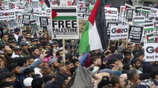 Unjuk rasa anti-Israel di London, Inggris.