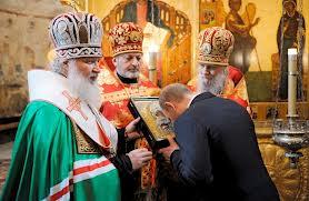 Putin mengumumkan agama barunya.